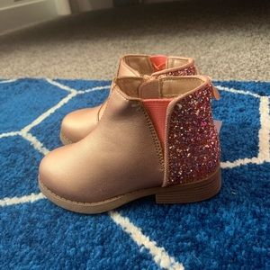 OshKosh rose gold booties Size 8 toddler kids NWT